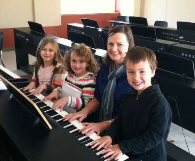 Children piano (web)