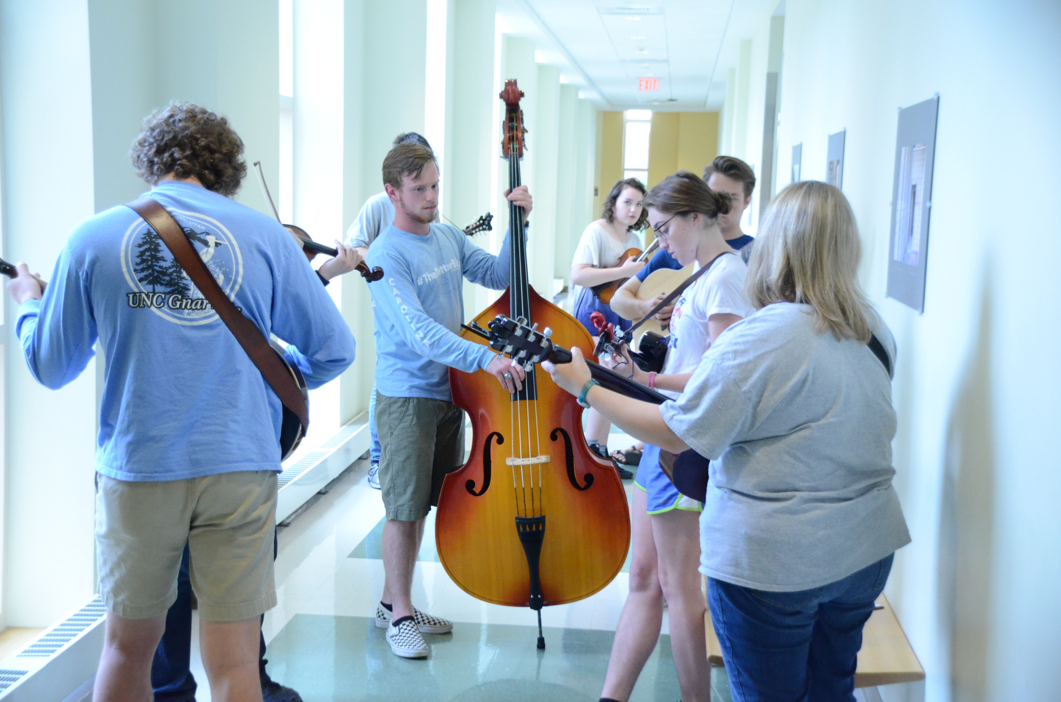 2017-Spring-Concert-Dress-rehearsal-in-hallway