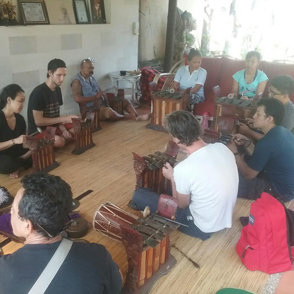 Group-playing-instruments2
