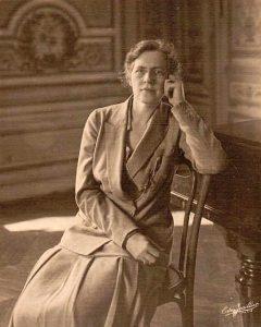 Nadia Boulanger in Paris, 1925. (Public domain)